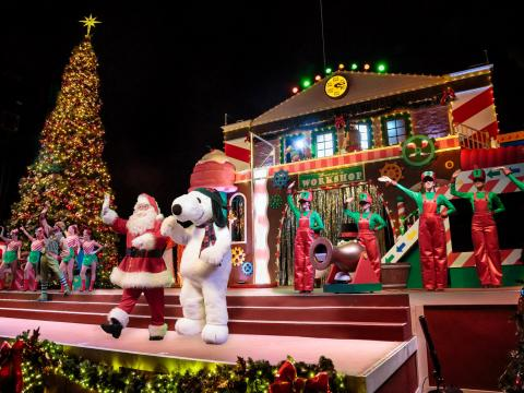 Snoopy and Santa welcome visitors to Knott's Merry Farm